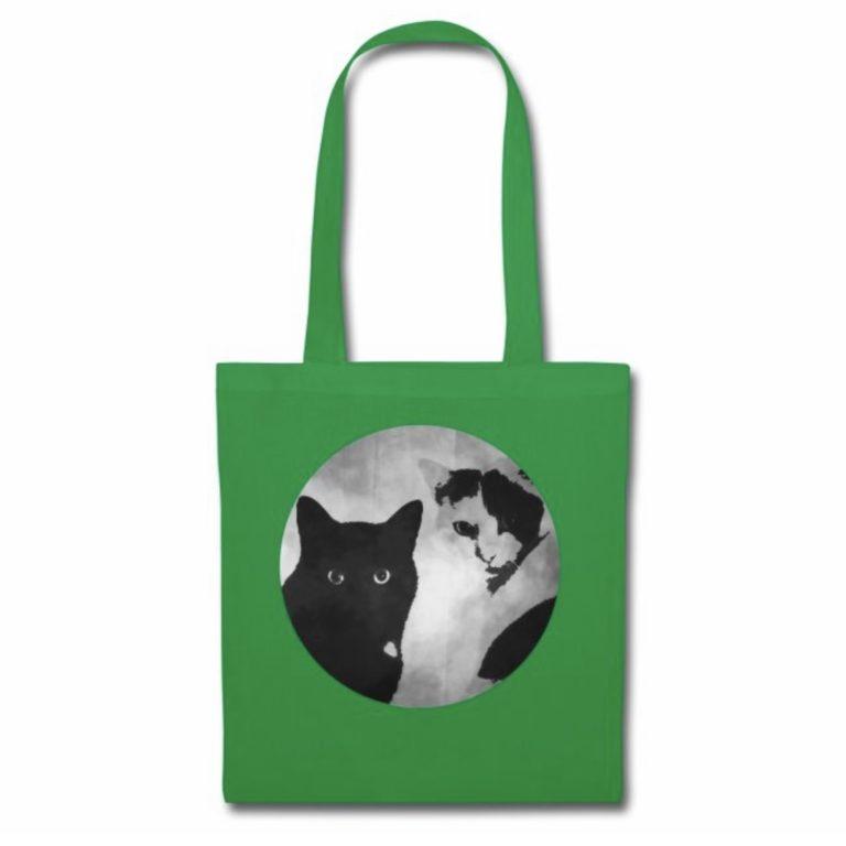 Tiger und Sternchen Logo auf grüner Stofftasche