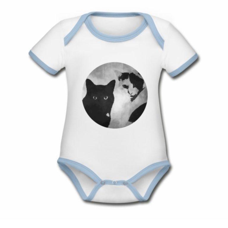 Tiger und Sternchen Logo auf Babystrampler